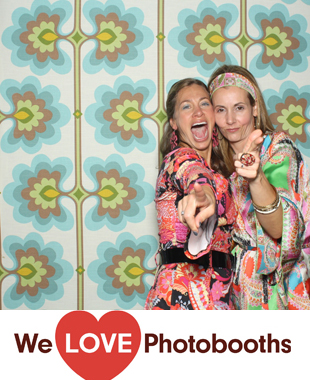 The Raven and the Peach Photo Booth Image