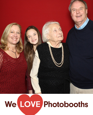 Atria on Roslyn Harbor Photo Booth Image