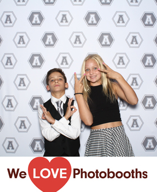 PA Photo Booth Image from Philmont Country Club in Huntingdon Valle, PA