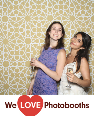 Red Maple Vineyard Photo Booth Image