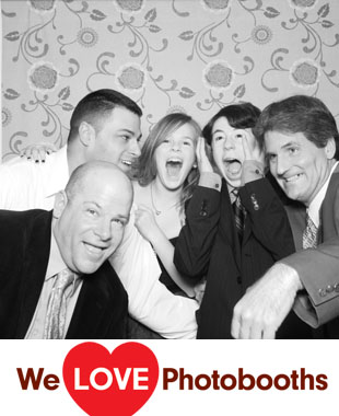 Estate at The Three Village Inn Photo Booth Image