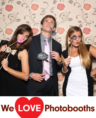 Martha Clara Vineyard Photo Booth Image