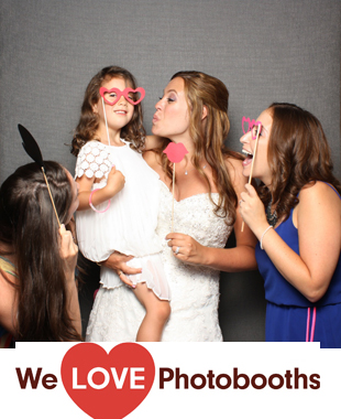 Falkirk Estate and Country Club Photo Booth Image